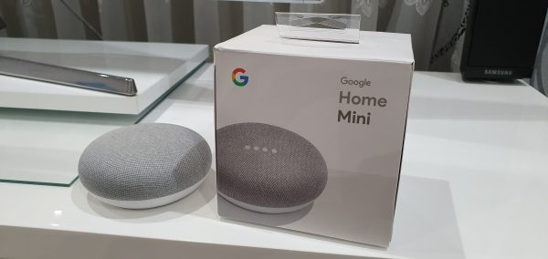 Google Home Mini și Xbox One